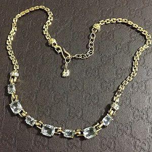 🖤VTG💕Swarovski Gold necklace